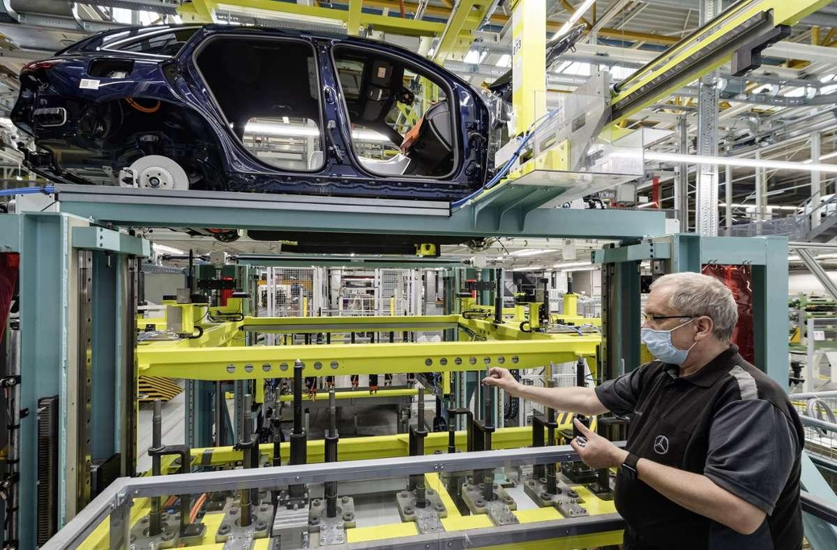 Der Konzern möchte die Zeit, in der im Bremer Werk die Bänder stillstehen, für Wartungsarbeiten nutzen. Foto: Daimler AG