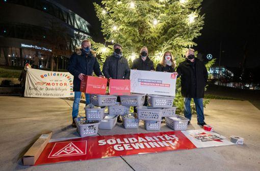 Beschäftigte schicken 50.000 Protest-Postkarten an ihre Chefs