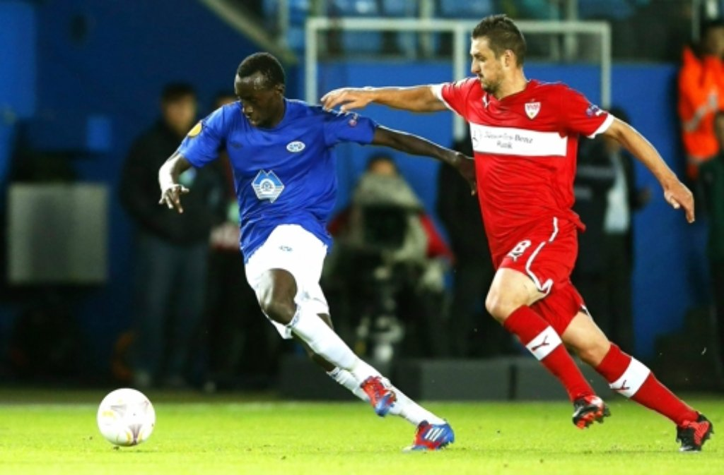 Nur noch selten kommt der VfB-Profi Zdravko Kuzmanovic (rechts) zum Einsatz. Foto: dapd