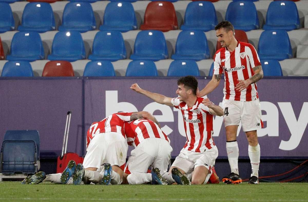 Jubel bei den Spielern von Athletic Bilbao Foto: imago images/Manuel Bruque