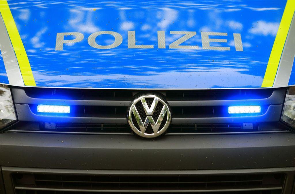 Die Polizei hat im Kreis Göppingen illegale Partys aufgelöst. (Symbolbild) Foto: picture alliance/dpa/Jens Wolf
