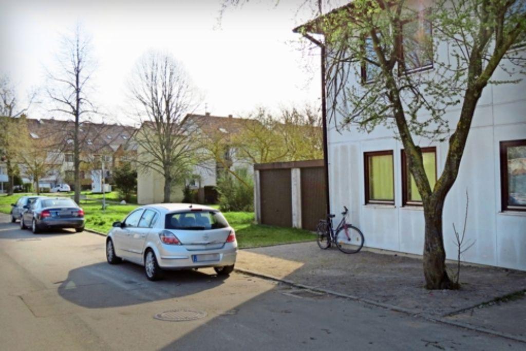 Das neue Gebäude wird zwischen dem bestehenden Wohnheim (rechts) und den Häusern im Hintergrund erstellt Foto: Otto-H. Häusser