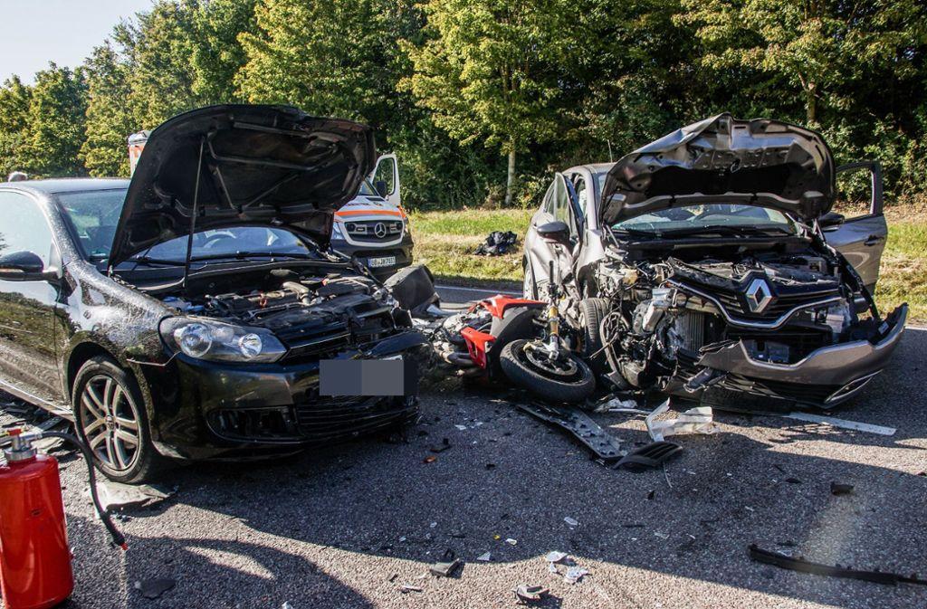 Auf der B14 im Kreis Böblingen kam es zu einem schweren Unfall. Foto: SDMG/SDMG / Dettenmeyer