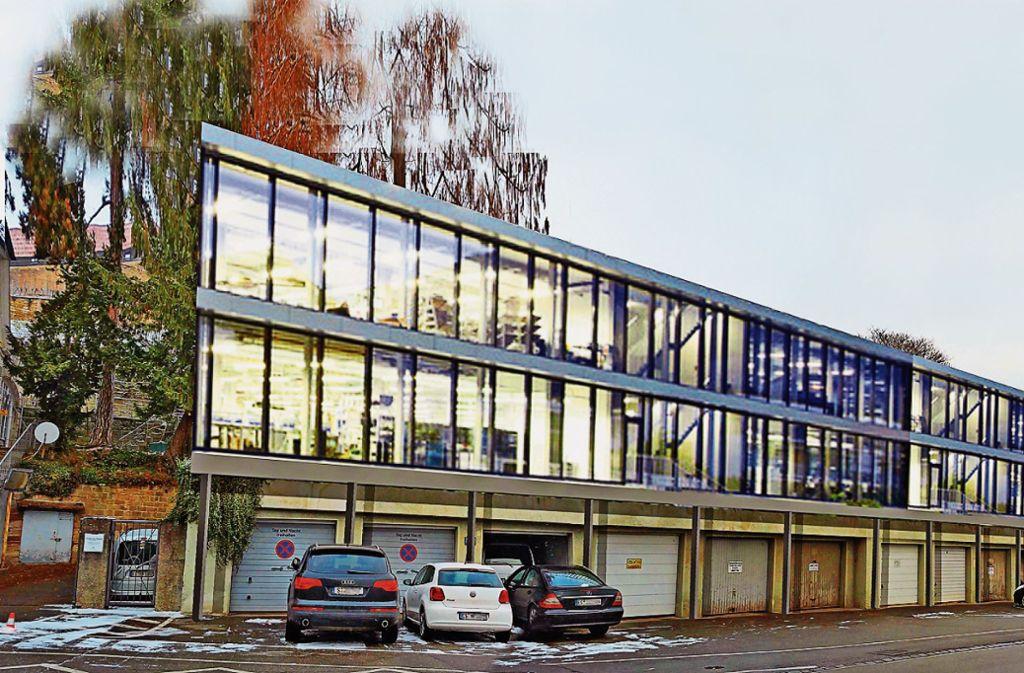 Wenn die Stadtbücherei im Bebenhäuser Pfleghof  saniert und erweitert wird, könnten  Bücher und Medien vorübergehend  an die Augustinerstraße umziehen. Foto: Initiative Bürgerbegehren