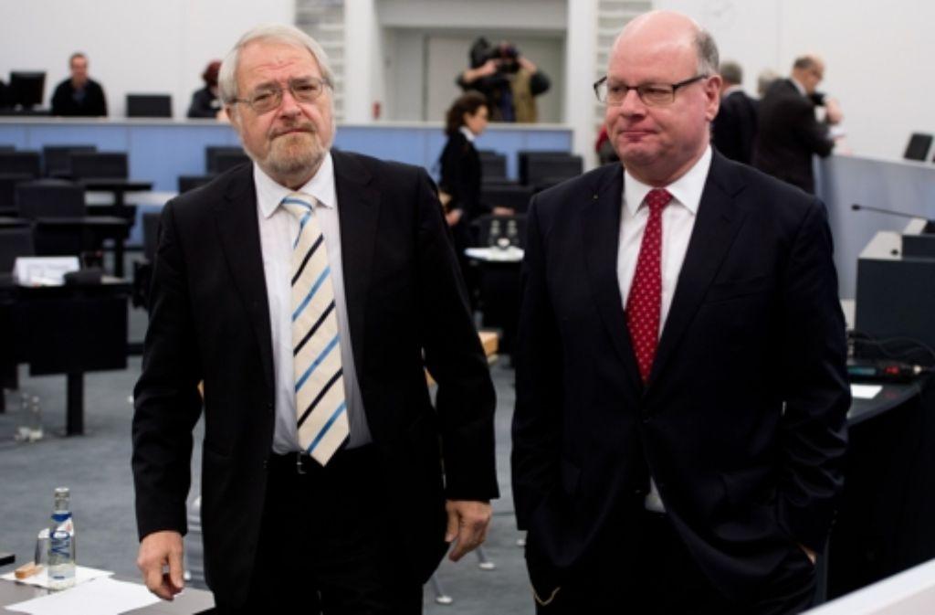 Neuer Mappus-Verteidiger: Bernd Schünemann (links), mit Christoph Kleiner. Die Chronologie des Verfahrens sehen Sie in unserer Bildergalerie. Foto: dpa