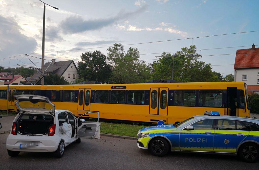 Ein Unfall in Botnang hat am Dienstagabend für Behinderungen auf der Linie U2 gesorgt. Foto: Fotoagentur Stuttgart