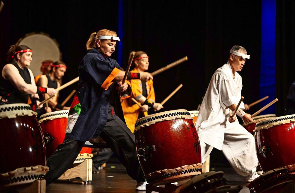 Beatrix Wagner und ihre Trommler begeistern das Publikum. Foto: /Michael Steinert