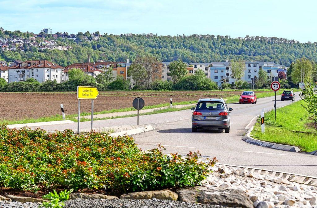 Ein Teil des Neubaugebiets Bruhweg II in Gerlingen erstreckt sich zwischen der Ditzinger  Straße (im Vordergrund) und den bestehenden Gebäuden. Foto: factum/Jür