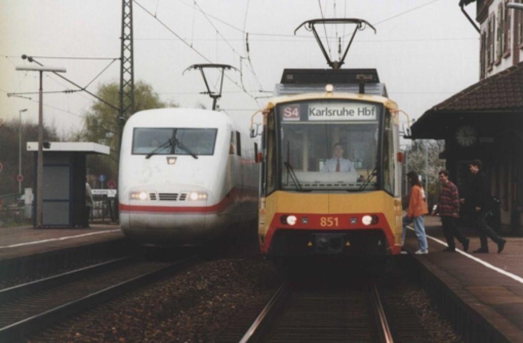 Flüchtlinge bekommen für ihre Ämtergänge in Karlsruhe Freifahrkarten. Foto: dpa