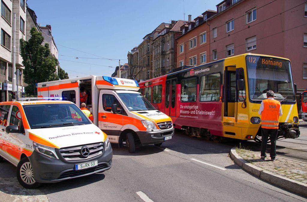 Trotz Gefahrenbremsung des Stadtbahnfahrers kam es zum Unfall. Foto: 7aktuell.de/Andreas Werner