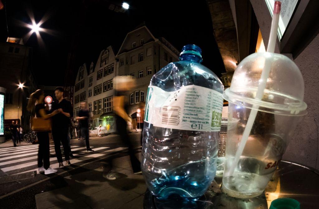 Die Hinterlassenschaften der Nacht beschäftigen Anwohner und Politiker. Foto: Lichtgut/Max Kovalenko