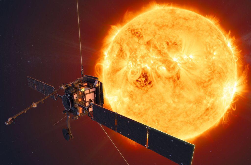 Die  Computeranimation zeigt den Solar Orbiter vor der Sonne. Jahrelang wurde die Sonnensonde «Solar Orbiter» geplant und gebaut –  nun beginnt ihre Reise erstmal auf der Erde. Foto: ATG medialab/ESA/dpa