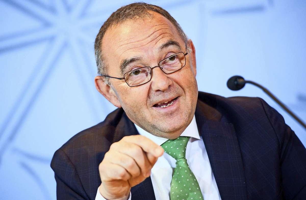 Der SPD-Vorsitzende Norbert Walter-Borjans sympathisiert mit einer 30-Stunden-Woche. (Archivbild) Foto: dpa/Federico Gambarini