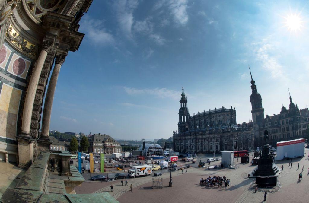 In Dresden finden die Feierlichkeiten zu Tag der Deutschen Einheit unter hohen Sicherheitsvorkehrungen statt. Foto: dpa-Zentralbild
