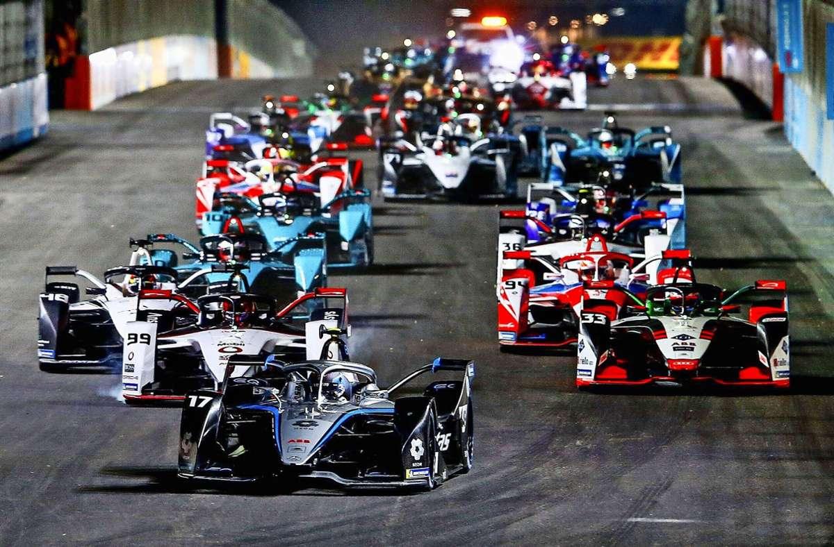 Nyck de Vries führt das Formel-E-Feld beim Auftaktrennen in Saudi Arabien an – auch bei den nächsten Etappe an diesem Wochenende in Rom will der Niederländer vorn mitmischen. Foto: imago/Andy Hone