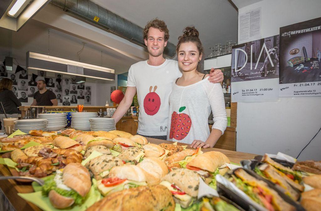 """Im Foodsharing-Café """"Raupe Immersatt"""" in Stuttgart soll gerettetes Essen kostenlos angeboten werden - die Gäste sollen selbst entscheiden, welchen Betrag es ihnen wert ist. (Archivbild) Foto: Lichtgut/Julian Rettig"""