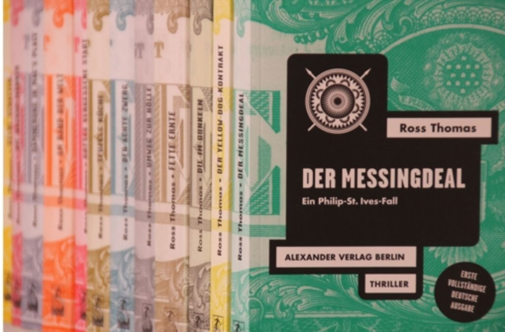 Das Schatzkästlein des württembergischen Krimifreundes: die heimische Ross-Thomas-Reihe wächst und wächst. Foto: Wangner
