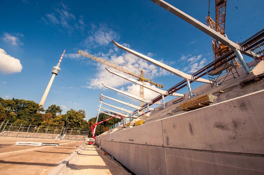 Das Gazi-Stadion in Stuttgart-Degerloch nimmt langsam wieder Konturen an. Foto: www.7aktuell.de | Florian Gerlach