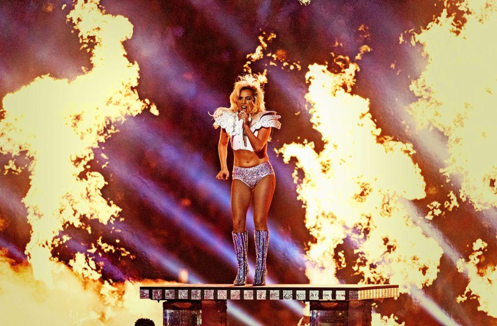 Lady Gaga trat 2017 in der Halbzeitshow des Super Bowls auf. Foto: AFP/Christopher Polk