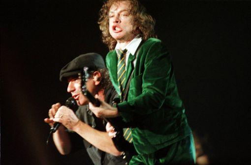 AC/DC rocken sich auf Platz Eins
