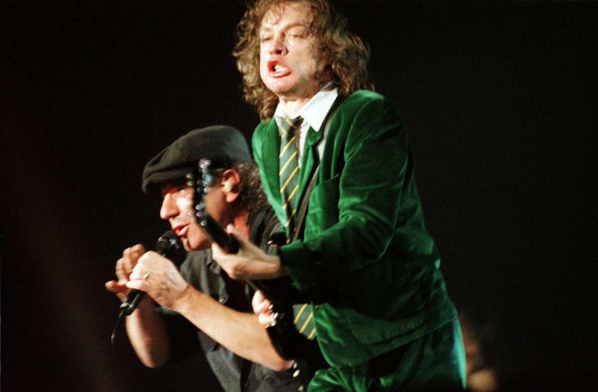 Rock'n'Roll-Könige: der Sänger Brian Johnson und der Gitarrist Angus Young von AC/DC Foto: imago