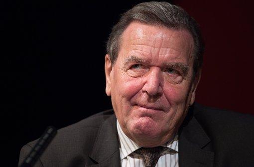 Alt-Kanzler Schröder soll Streit schlichten zwischen Edeka und Rewe