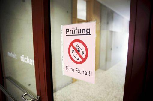 Prüfungspanne: Kultusministerium schaltet Polizei ein