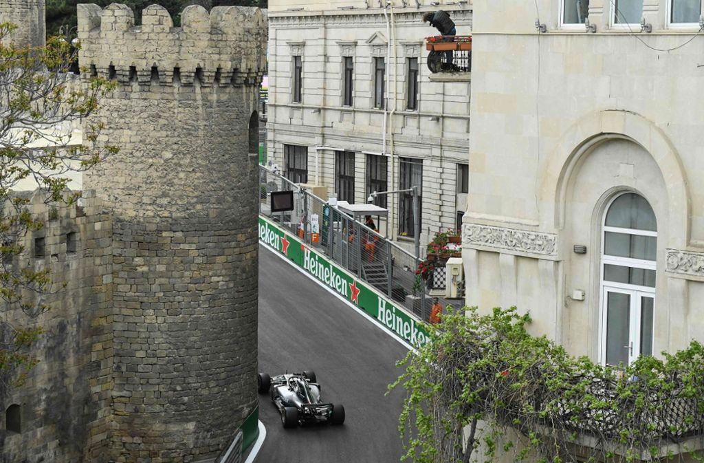 Lewis Hamilton gewinnt das Formel-1-Rennen in Baku. Foto: AFP
