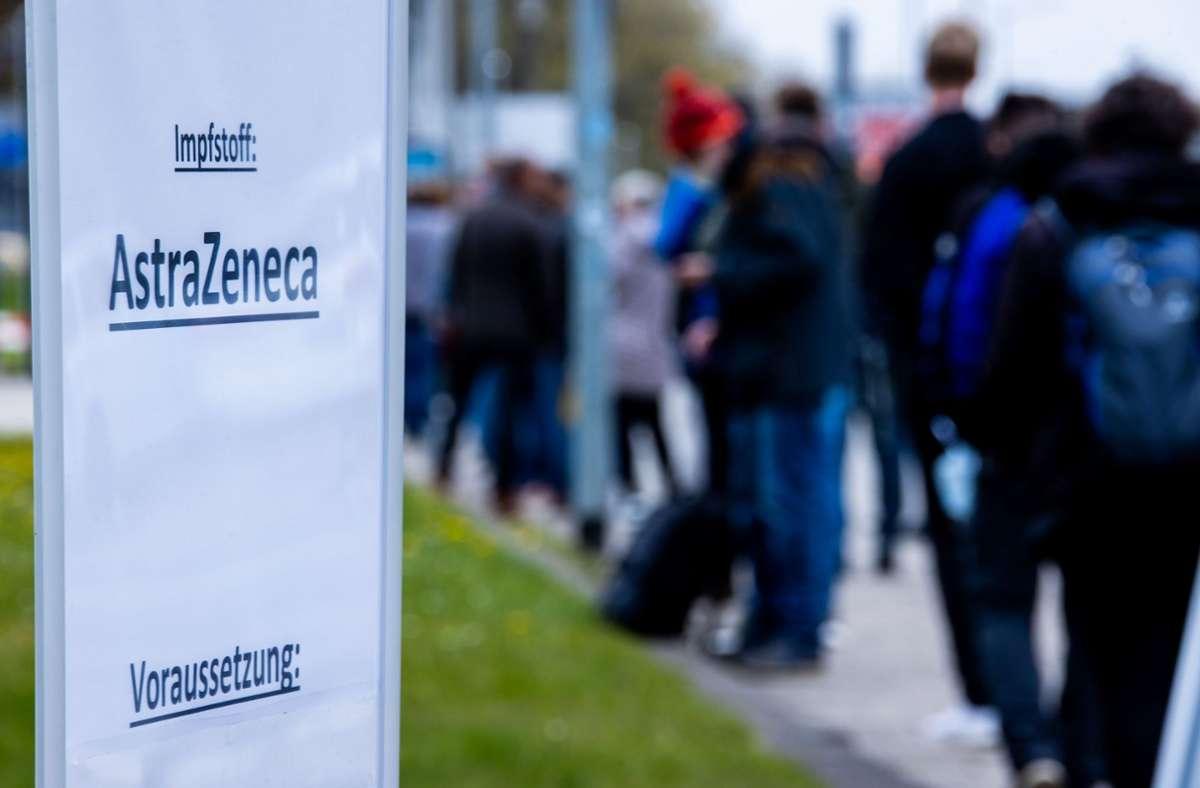 Manche Menschen wollen sich eine Coronaimpfung erschleichen. Foto: dpa/Jens Büttner