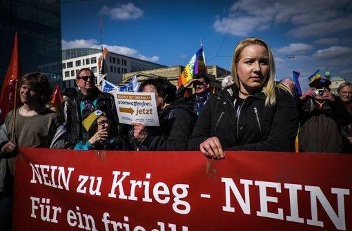 Für die internationale Solidarität wurde am Samstag auf dem Schlossplatz demonstriert. Foto: Lichtgut/Max Kovalenko