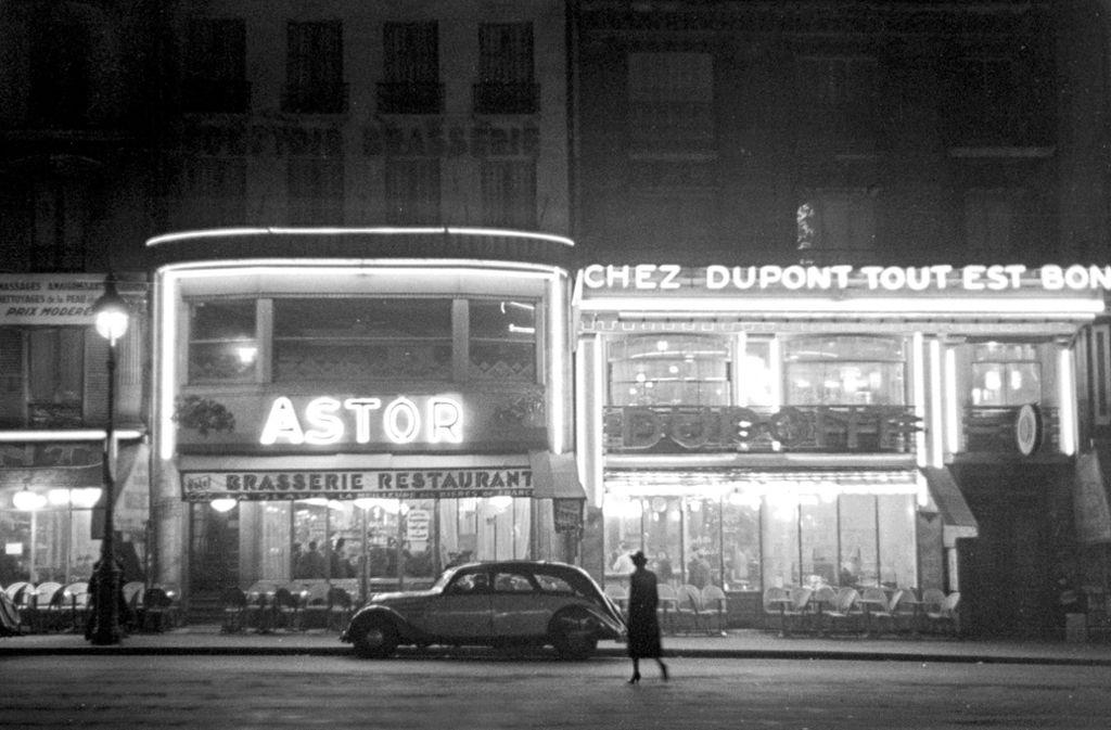 Im Restaurant Astor traf sich im Paris der dreißiger Jahre die feine Gesellschaft. Foto: www.mauritius.sodatech.com