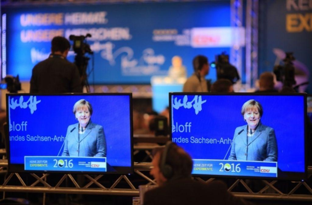 Frankreich geht deutlich auf Distanz zur Flüchtlingspolitik von Bundeskanzlerin Angela Merkel. Foto: dpa