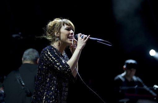 Sie sang, hüpfte und siegte – Zaz-Konzert auf dem Schlossplatz