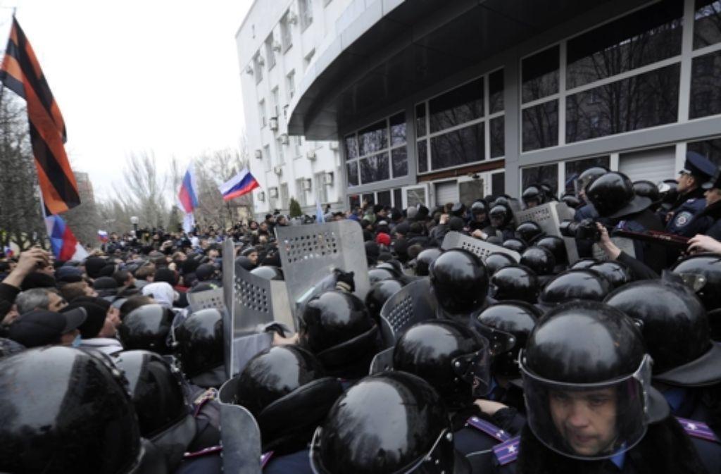 In der Ostukraine spitzt sich die Lage zu – es wird scharf geschossen. Foto: imago