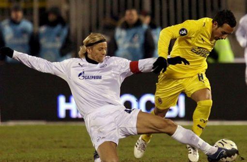 FC Villareal stellt Spieler mit Zaubertrick vor