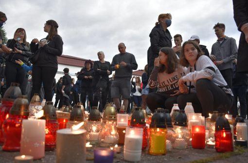 Ex-Schüler tötet Lehrer und verletzt weitere Menschen