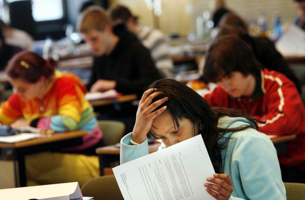 Das Abitur bereitet vielen Schülern Kopfzerbrechen. Foto: dpa
