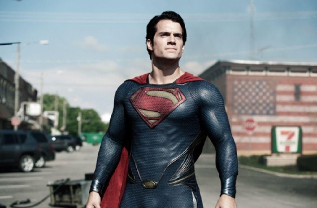 "Die rote Unterhose ist weg: Henry Cavill als Superman in ""Man of Steel"" Foto: Warner Bros"