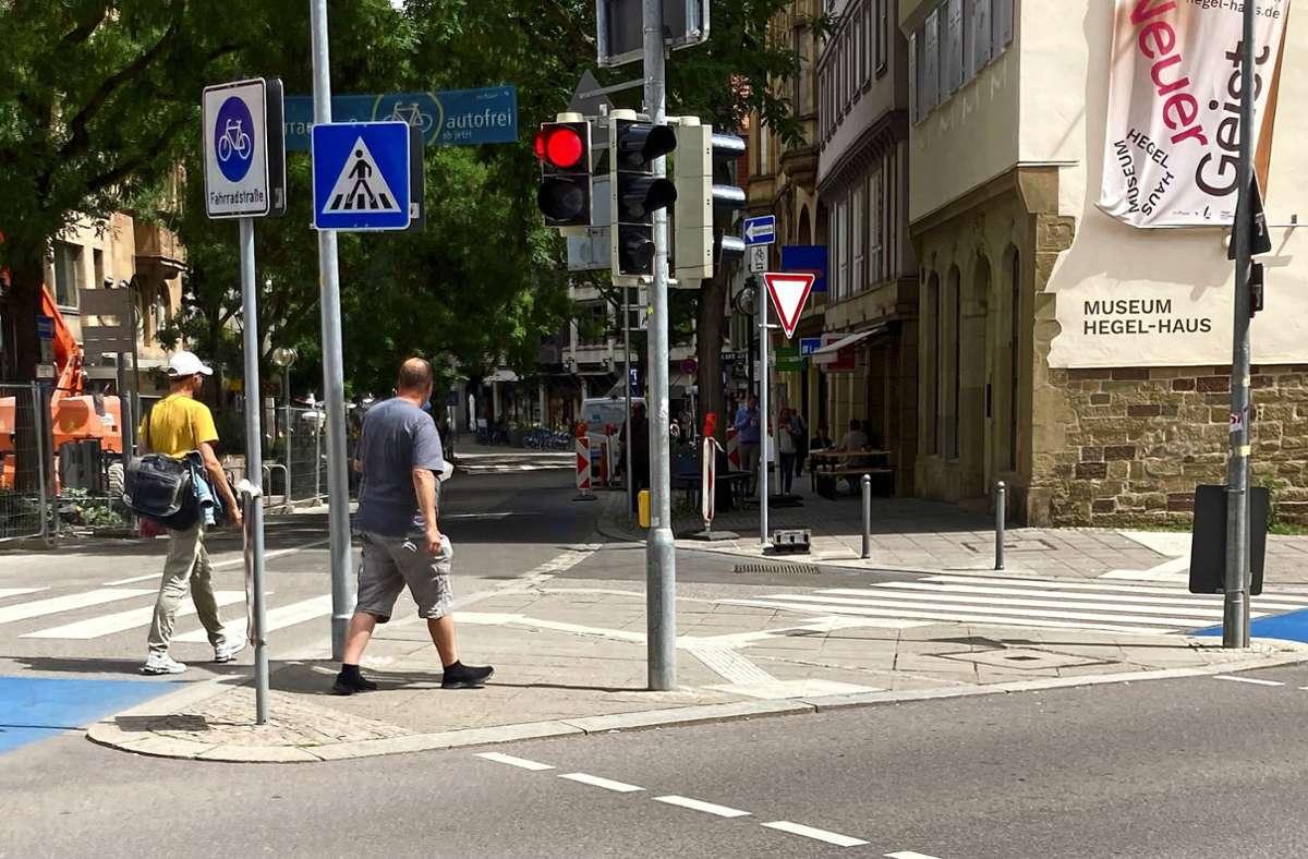 Sabine Vogel fuhr von dieser Position aus in die Eberhardstraße und wurde von der Polizei gestoppt, weil sie angeblich über Rot gefahren sei. Foto: Martin Haar Foto: