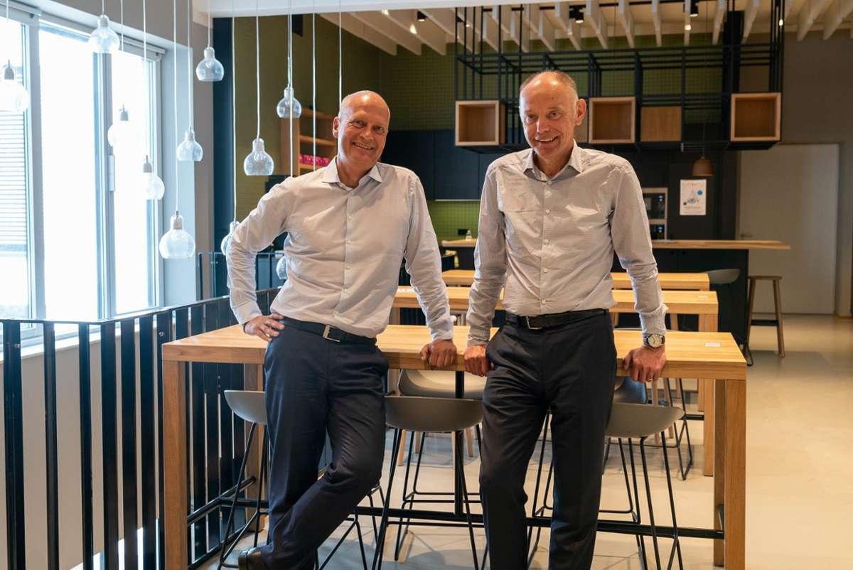 Die Gründer von iteratec GmbH, Klaus Eberhardt und Mark Goerke, fördern mit einem Genossenschaftsmodell die unternehmerische Mitbestimmung.  Foto: bwcon