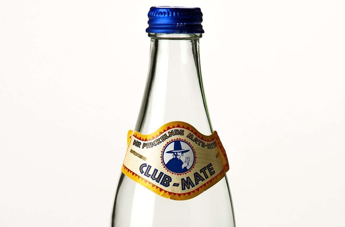 """Auch eine leere Flasche """"Club Mate"""" findet sich in der Ausstellung. Foto: Landesmuseum Württemberg, Hendrik Zwietasch/cf"""