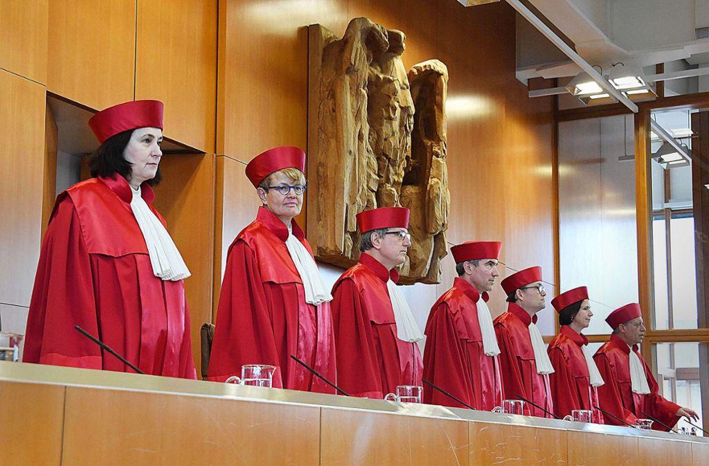 Der Erste Senat des Bundesverfassungsgerichts muss klären, ob der BND im Ausland weiter so horchen darf, wie bisher. Foto: dpa/Uli Deck