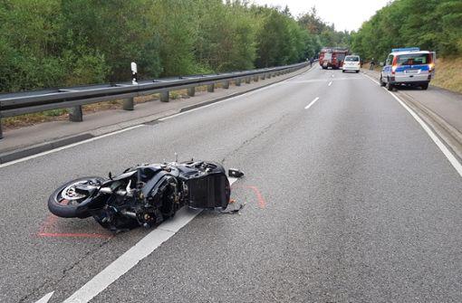 Motorradfahrer stirbt bei Überholmanöver