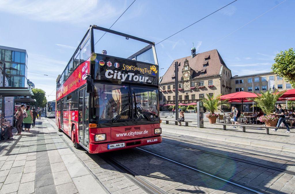 Bringt Besucher durch die Stadt: der Doppeldecker Foto: Heilbronner Stimme