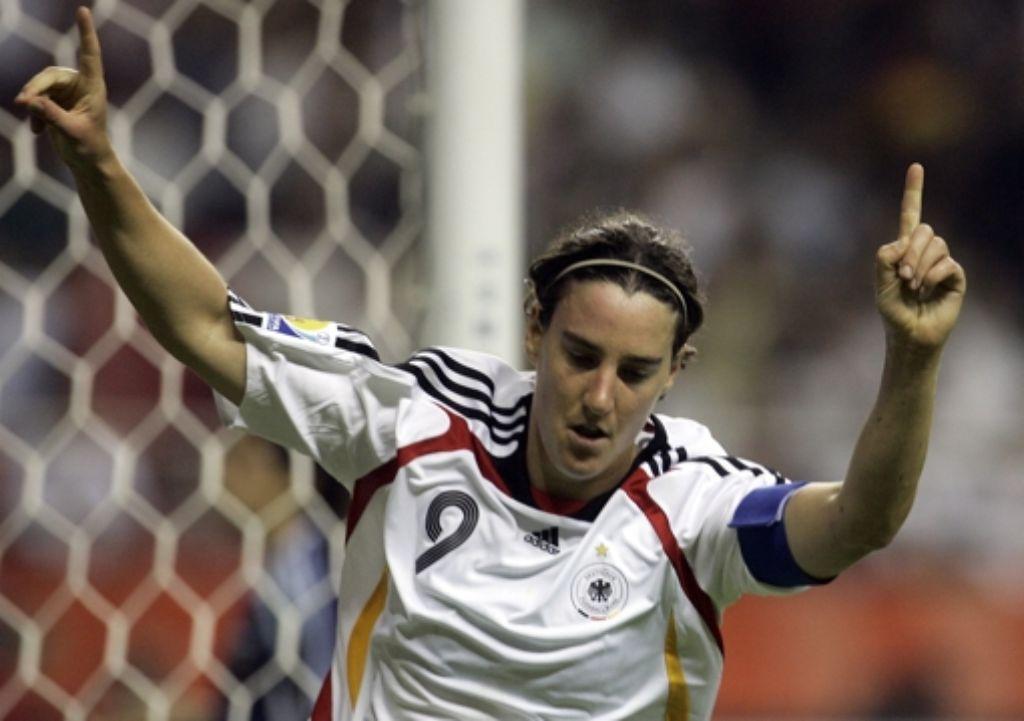 Birgit Prinz beendet am Dienstag ihre Fußballkarriere. Foto: dapd