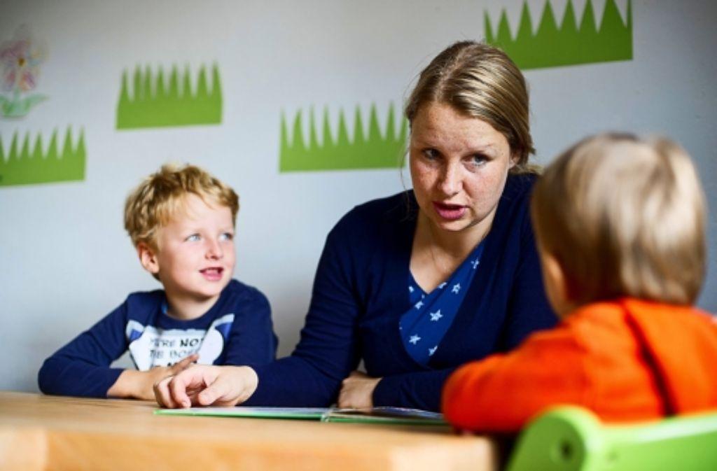 Seit August läuft die Bezahlung der Stuttgarter Tagesmütter unbürokratischer. Das soll den Beruf für Frauen attraktiver machen. Foto: dpa