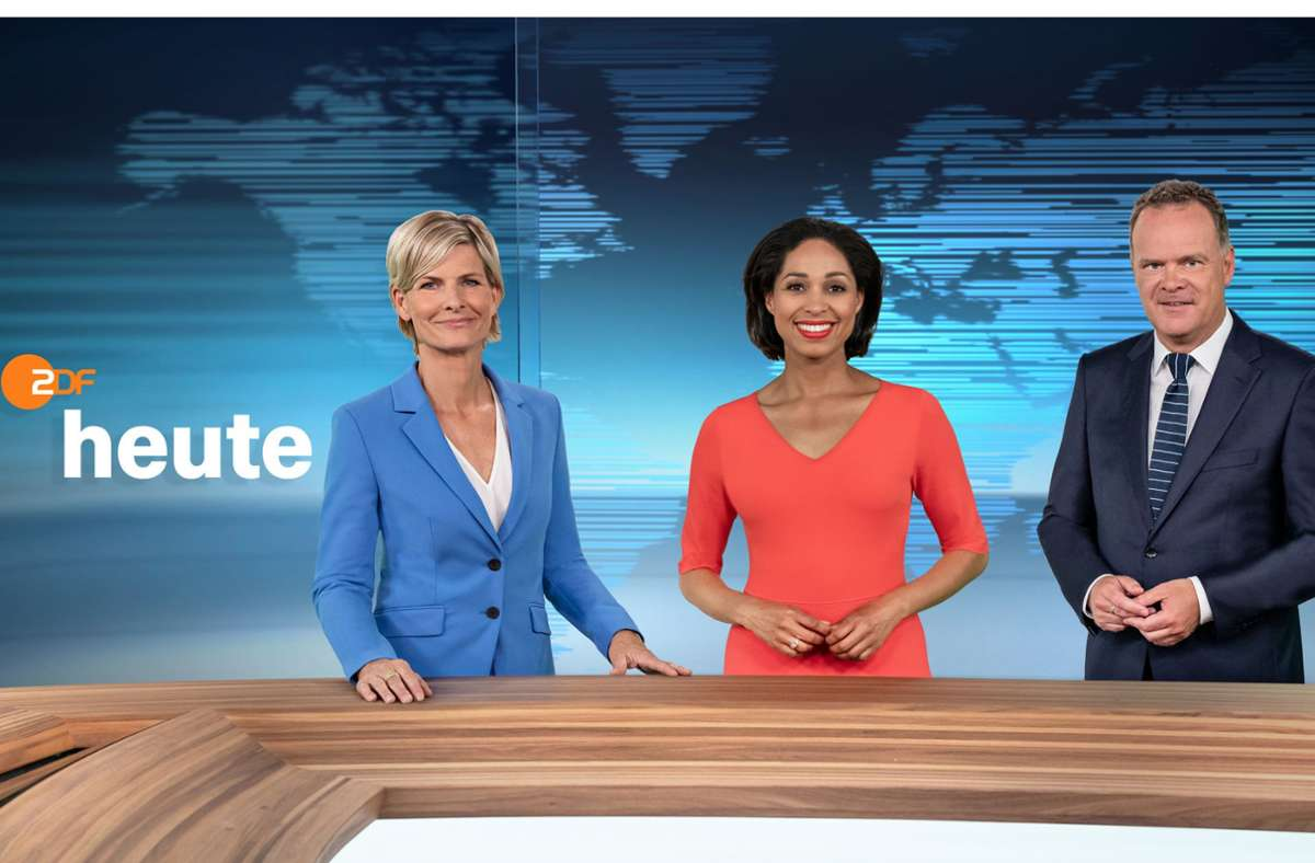 "Die ""heute""-Moderatoren Barbara Hahlweg (l), Jana Pareigis und Christian Sievers Foto: dpa/Jana Kay"