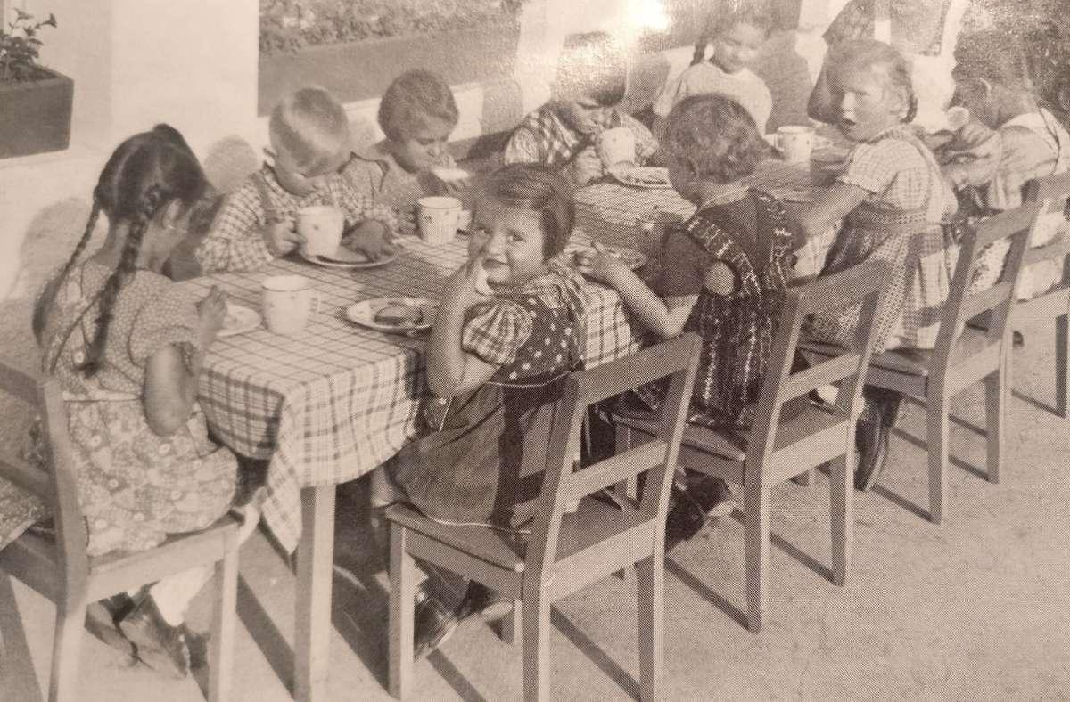 Zum Erholen und Aufpäppeln sollten die Kuren dienen – doch oft hinterließen sie traumatisierte Kinder. Foto: privat