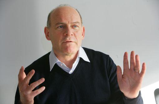 Winfried Hermann kämpft für schnelle Züge am Stuttgarter Flughafen