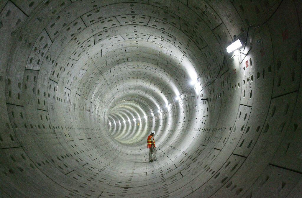Unter der Erde leben und arbeiten? Dafür müssen noch einige Phobien abgebaut werden. Auf dem Bild: ein Tunnel beim Metro-Bau in Neu Dehli. Foto: dpa